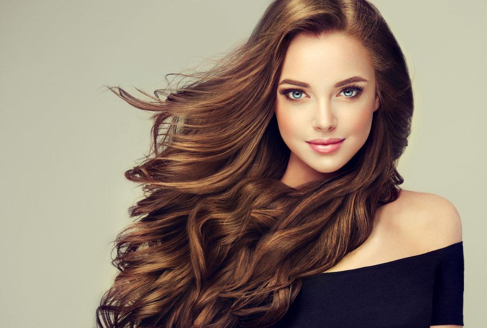 koloryzacja włosów-kobieta