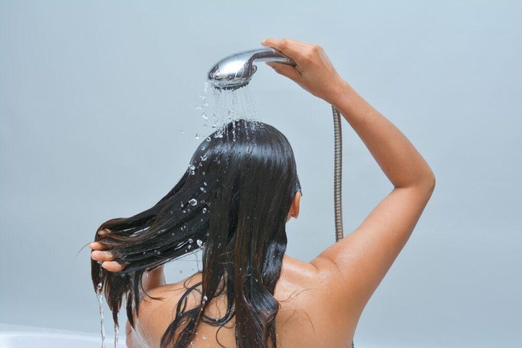 prysznic-kobieta
